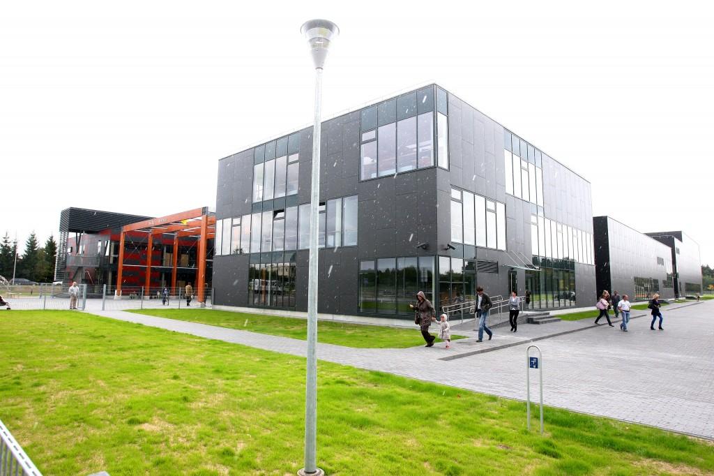 Vilniaus Balsių progimnazija skelbia atranką laisvai darbo vietai užimti Anglų kalbos mokytoja (-s)