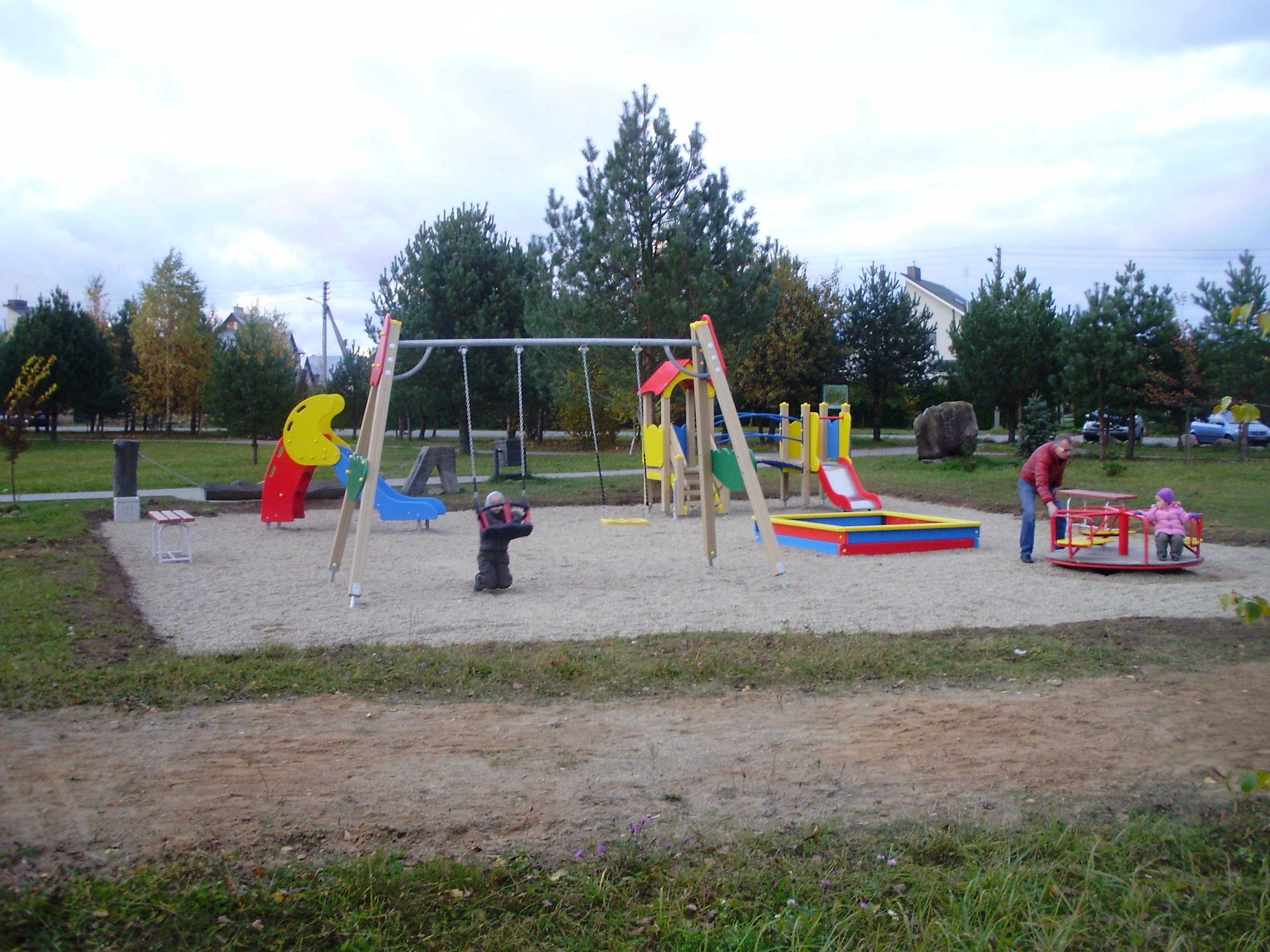 """Balsių """"Mitologiniame parke"""" įrengta nauja žaidimų aikštelė vaikams iki 7 m."""