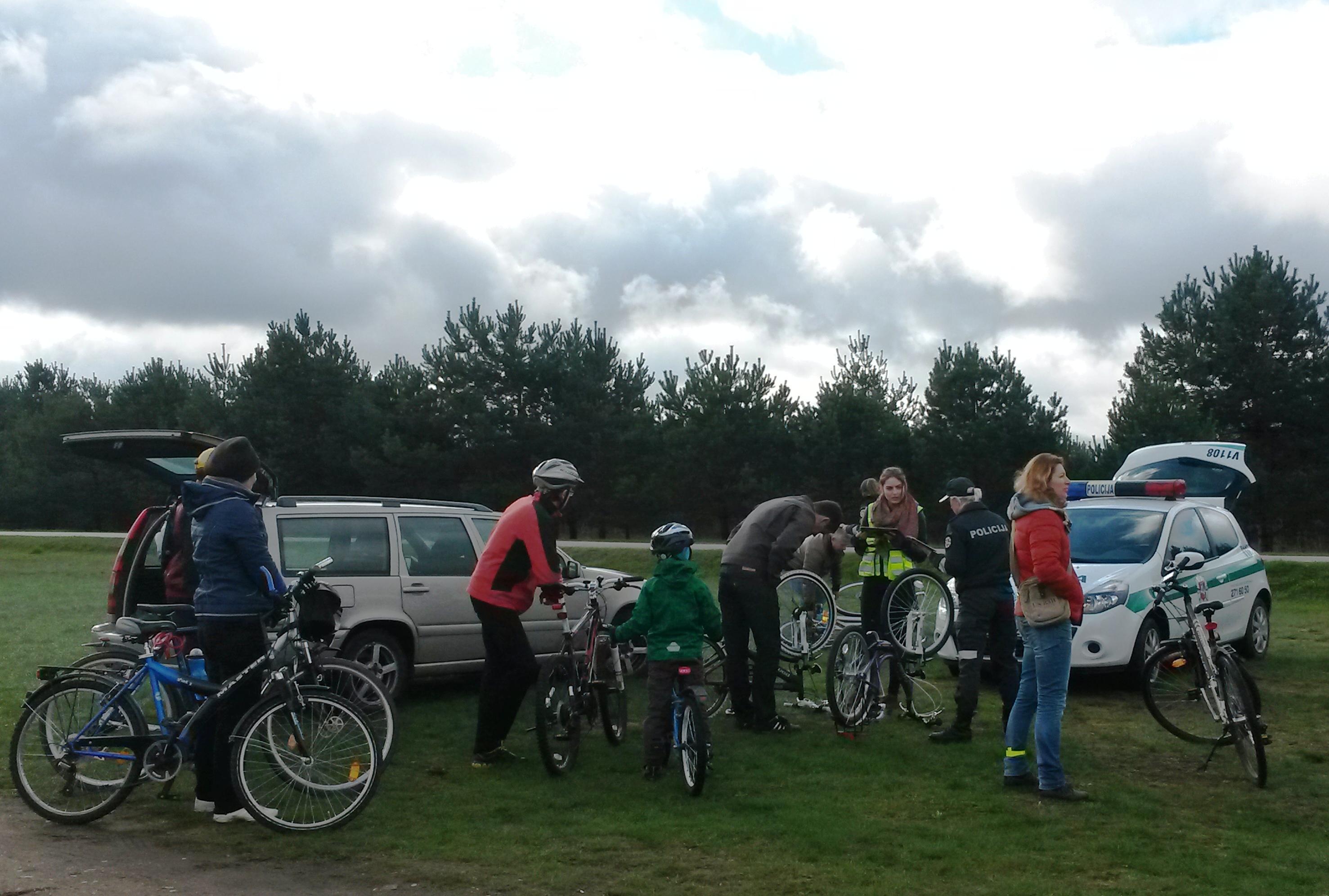 Mobiliame punkte Balsiuose vyko dviračių žymėjimo akcija