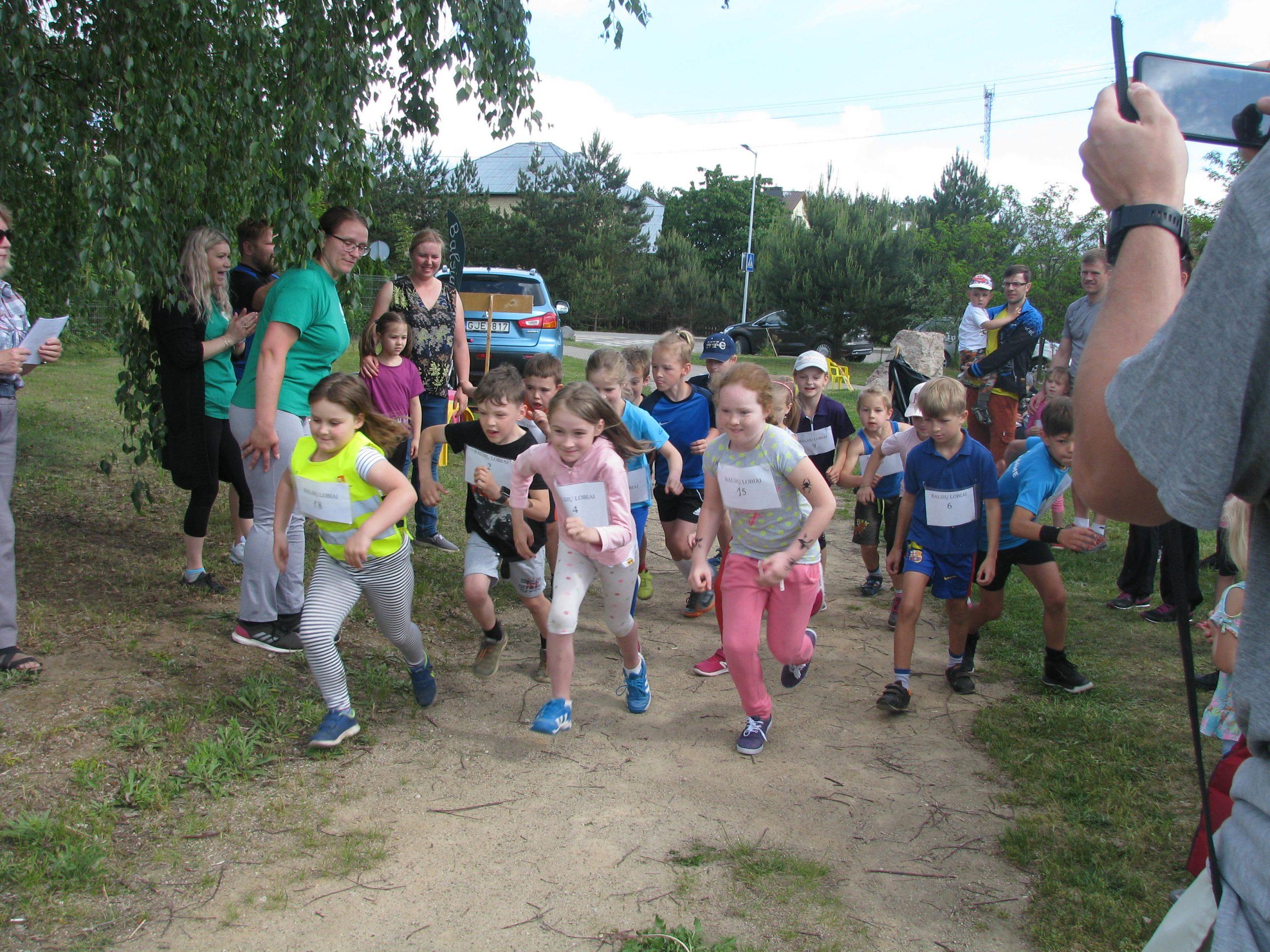 """Tradicinis vaikų bėgimas """"Balsių Lobiai"""""""